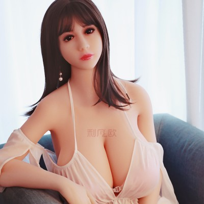 Dinah: huge breast silicone sexy doll